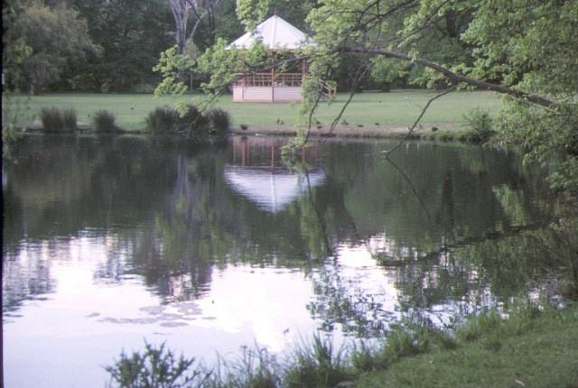 1 castlemaine botanical gardens lake & Pergola