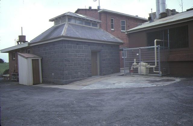 kyneton district hospital simpson street old morgue sep1984
