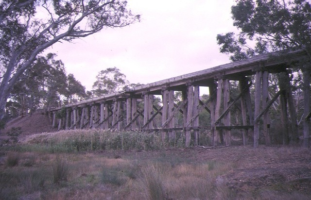 1 rail bridge over hansford creek pyalong side elevation apr 95