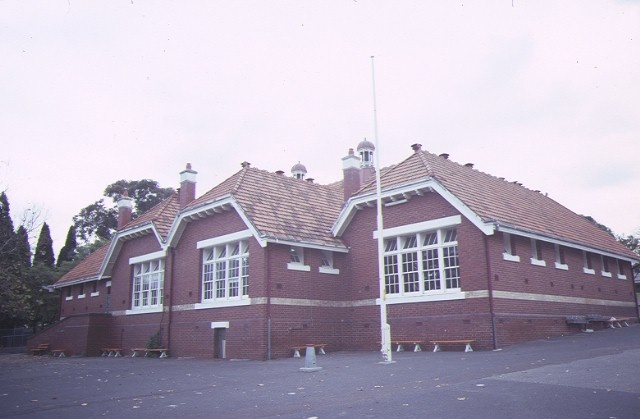 auburn primary school no 2948 rear view