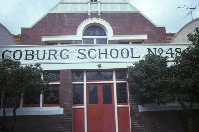 infant building & shelter shed coburg primary school no 484 bell street coburg entrance sep 84