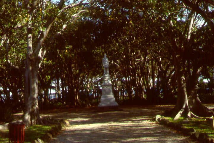williamstown botanic gardens at clarke statue ac2 apr1999