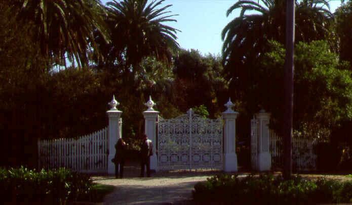 williamstown botanic gardens entrance gates ac2 apr1999