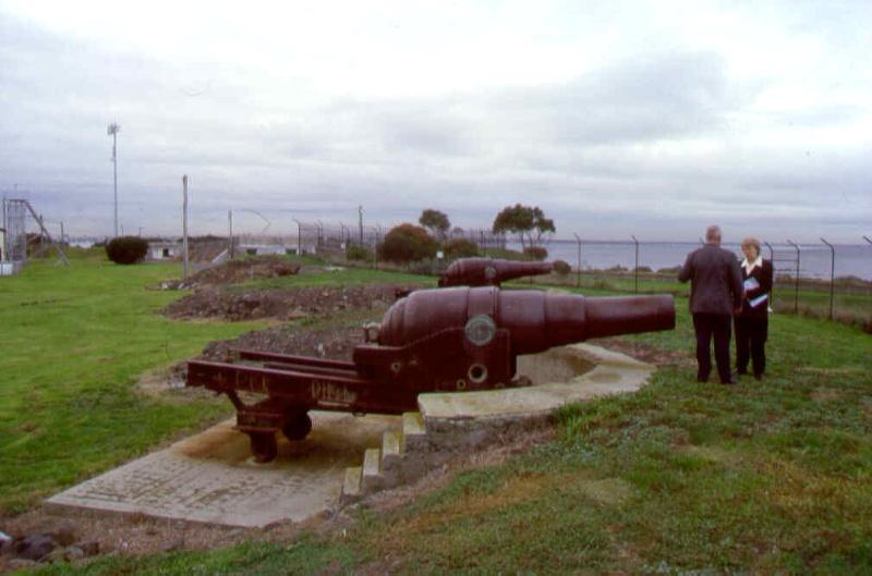 1 fort gellibrand point gellibrand williamstown gun emplacements pm2 july1999