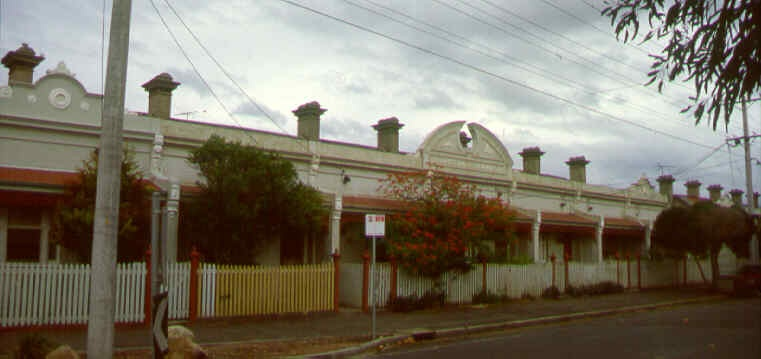 1 queens terrace nott st port melbourne ac2 may1999