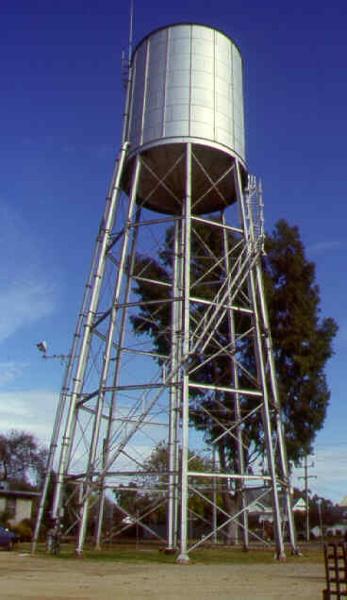 1 water tower and tank millard st wangaratta may 99 pm1