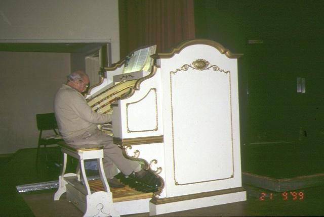 Wurlitzer Theatre Organ Moorabbin Town Hall - side view