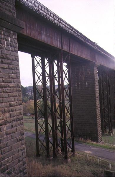 1 railway viaduct heales street taradale side elevation apr1995
