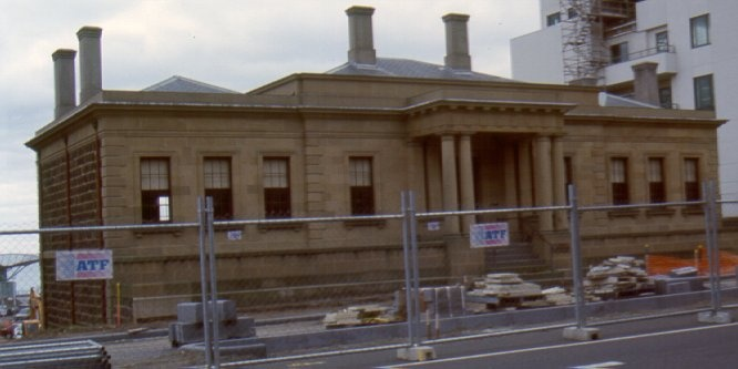1 customs house geelong ac may00