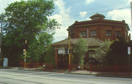 1 braille library 31-51 commercial rd sth yarra oct 2000 jbo front
