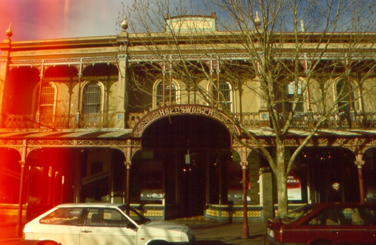 1 holdsworth buildings 380 lygon street h74 july 2000