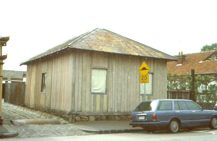 1 singapore cottage sackville street h610 june 2001