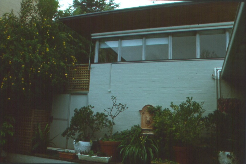 H01963 roy grounds house rear view aug01