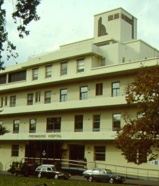 H01972 1 freemasons hospital east melbourne front 2001