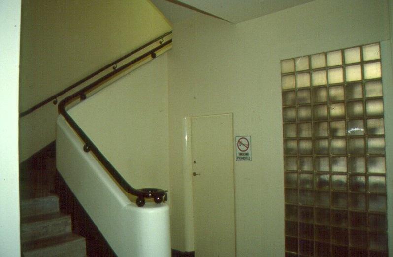 H01972 freemasons hospital south stair 2001