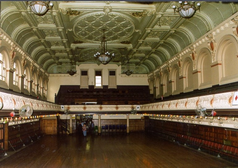 H01967 cathedral hall interior