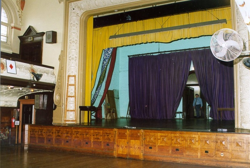 H01967 cathedral hall stage