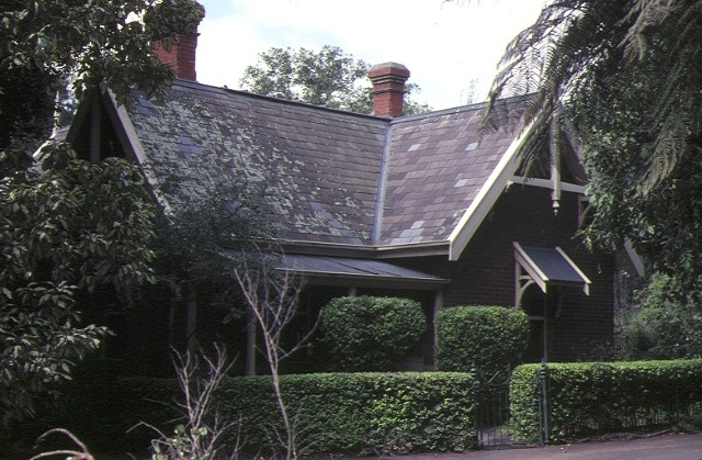 H01459 royal botanic Under gardener's cottage sep1981