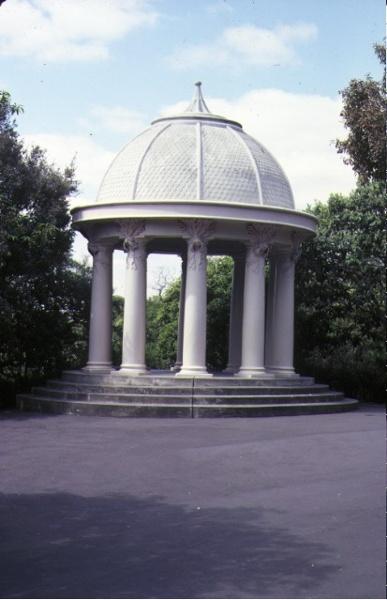H01459 royal botanic gardens birdwood avenue south yarra temple of the winds sep1981