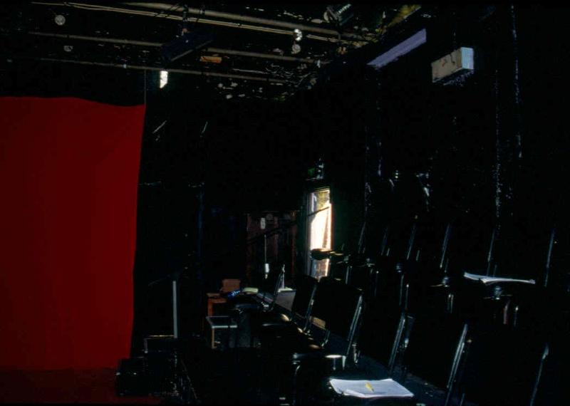 H01991 la mama theatre carlton north west cornerl 2002