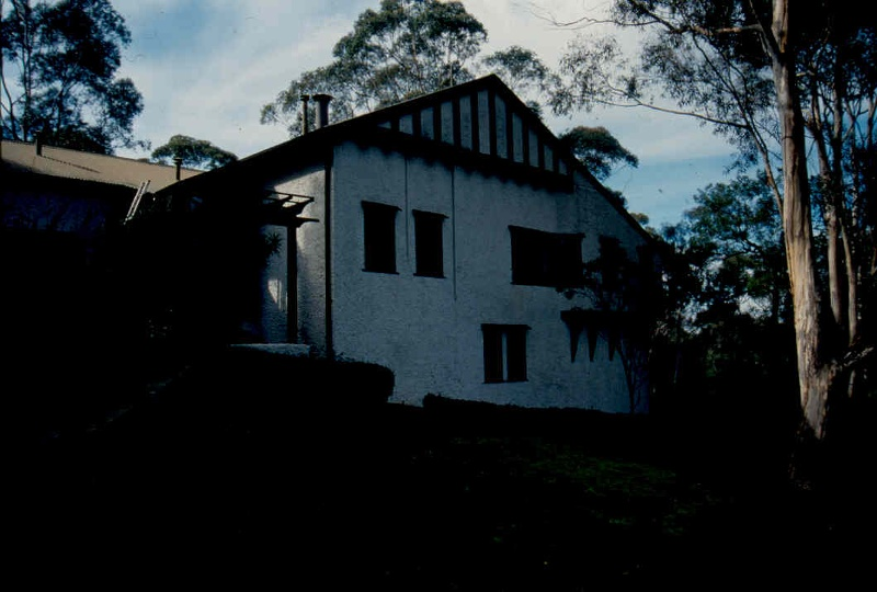 H02004 macgeorge house ivanhoe west side 02
