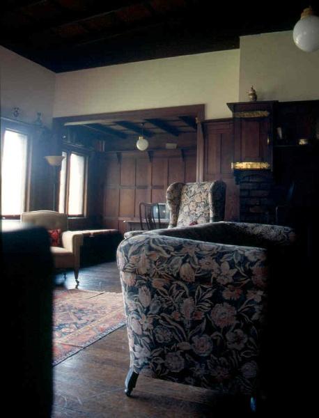 H02004 macgeorge house ivanhoe living 02
