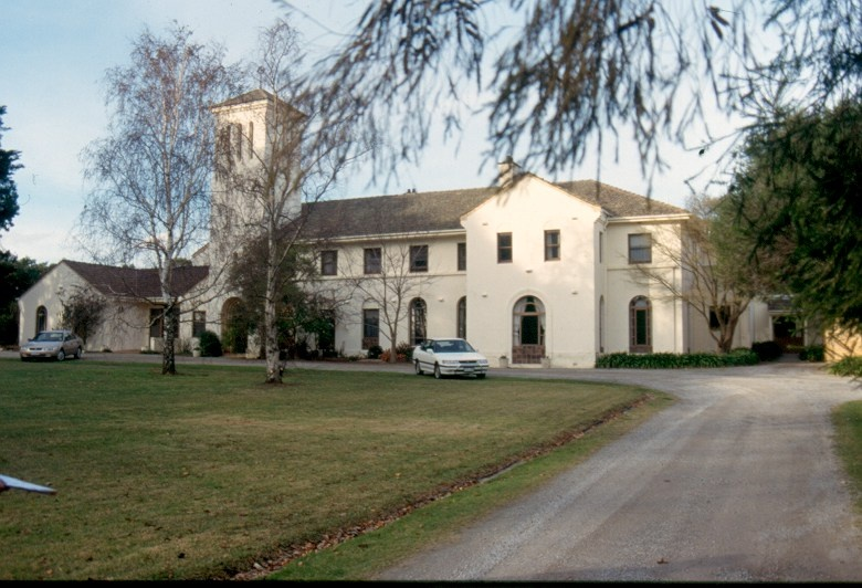 H02008 1 chs community house june 2002 h2008