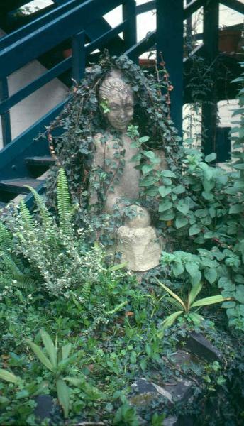 H02002 ola cohn house garden