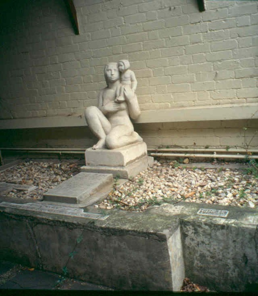 H02002 ola cohn house grave