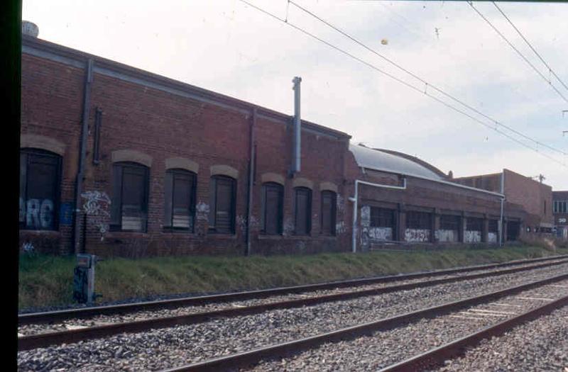 H02027 2 retort house brunswick nov 2002