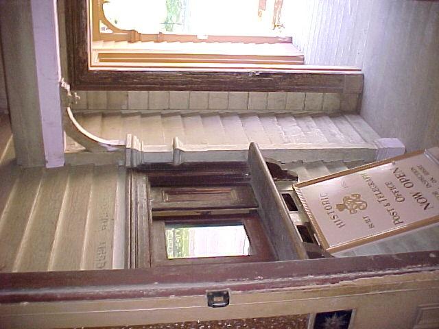 H00583 walhalla po exterior verandah2 mar 2003