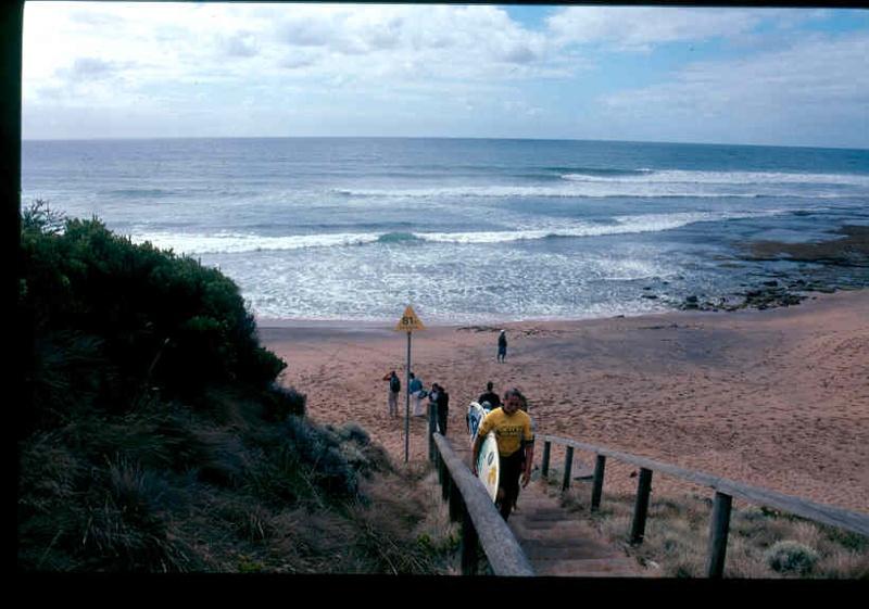 H02032 bells beach 1