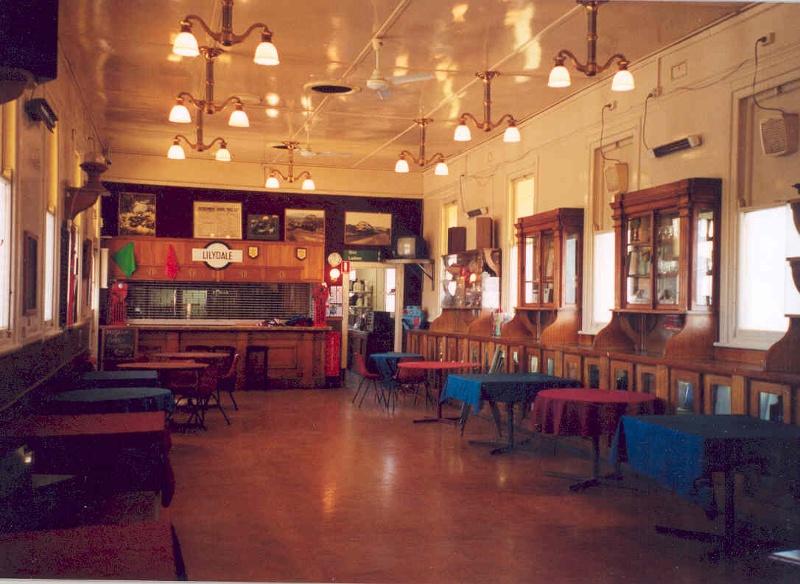 h02044 lilydale railway station refreshment room4