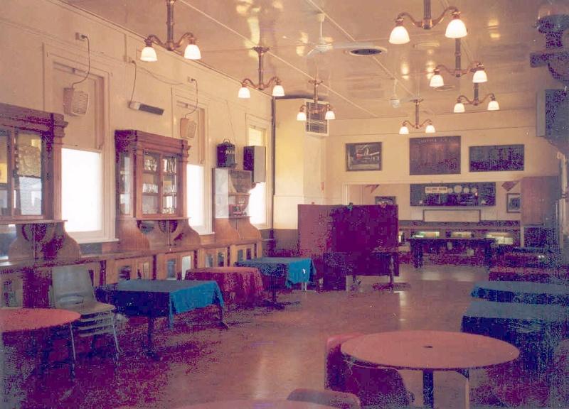 1_h02044 lilydale railway station refreshment room5