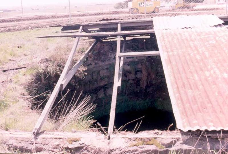h01889 gisborne mains house cistern