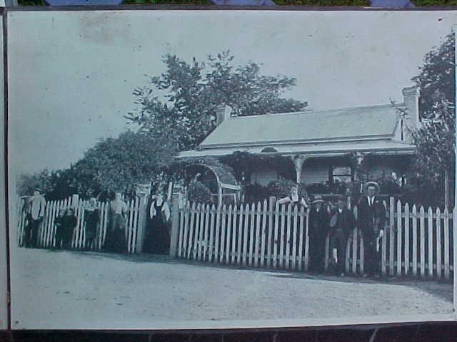 h02038 black springs bakery beechworth house