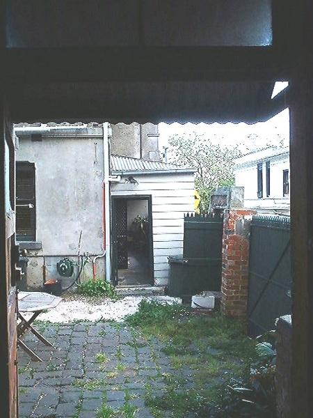 h01204 h1204 166 bellair st kensignton rear looking east