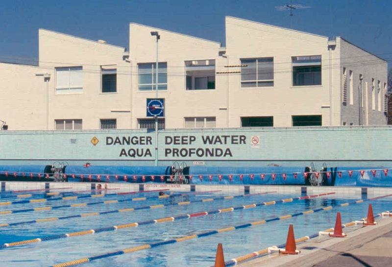 h01687 aqua profonda sign fitzroy pool