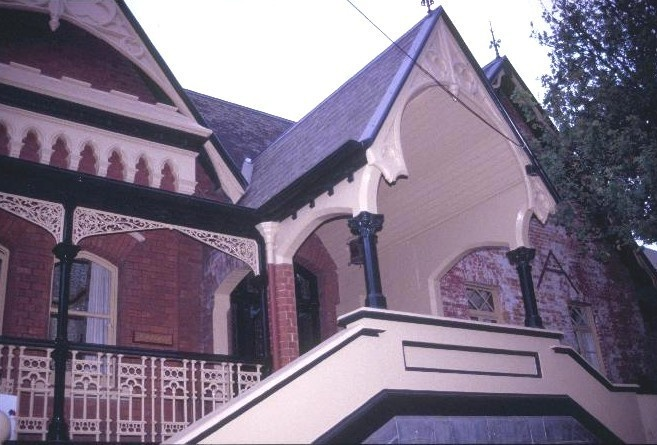 alloarmo grattan st hawthorn front gables she project 2003