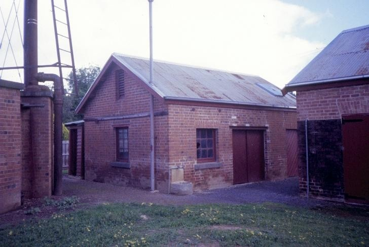 benalla water supply depot benalla carpenters shop she project 2003