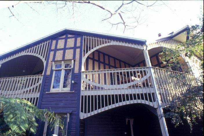 chadwick house the eyrie eaglemont south east verandah detail she project 2003