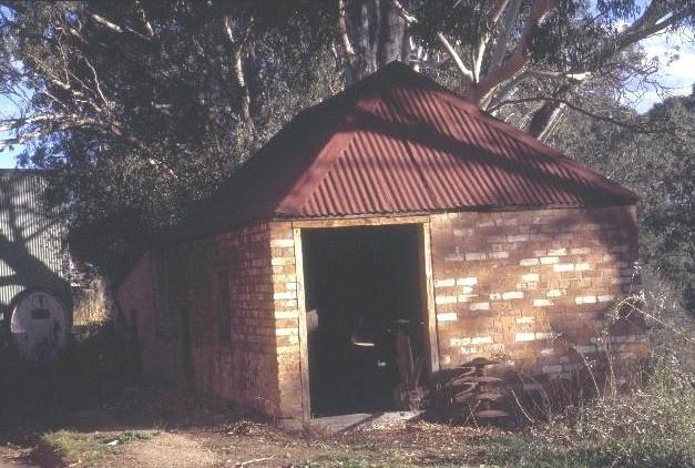 chateau tahblik tabilk rd tabilk blacksmith shop she project 2003
