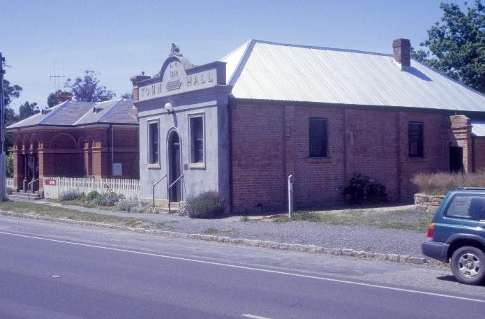 chewton town hall pyrenees highway chewton town hall and post office she project 2003