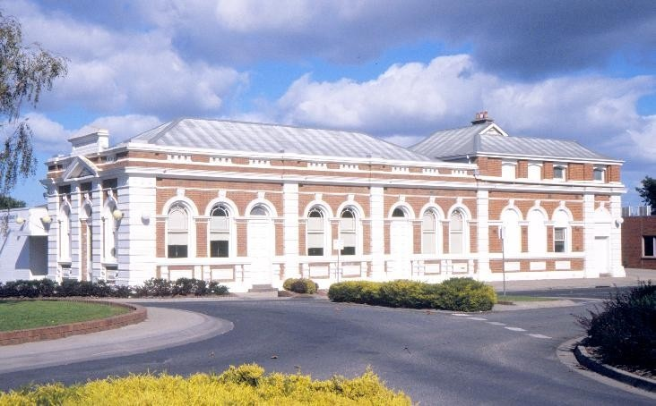 east gippsland regional library service street bairnsdale nicholson st side she project 2003