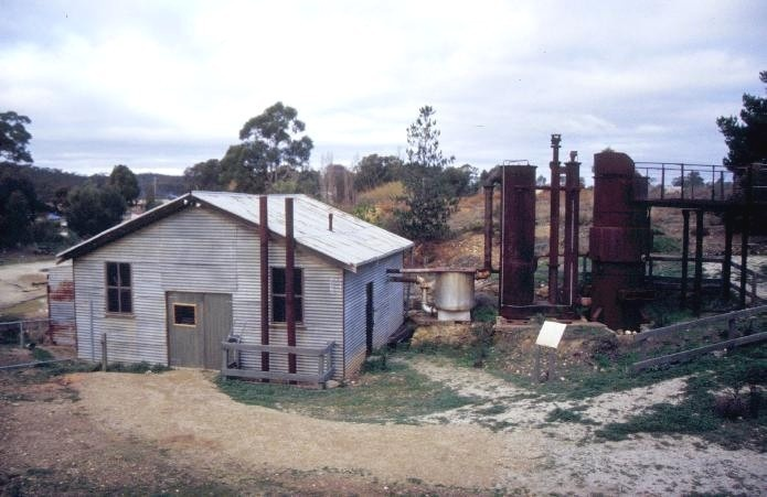 forest creek tourist gold mine castlemaine and chewton road castlemaine engine shed front elevation she project 2003