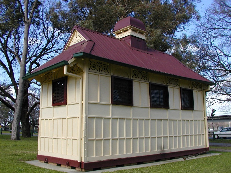 former grand rank cabman s shelter near footbridge yarra park jolimont back she project 2004