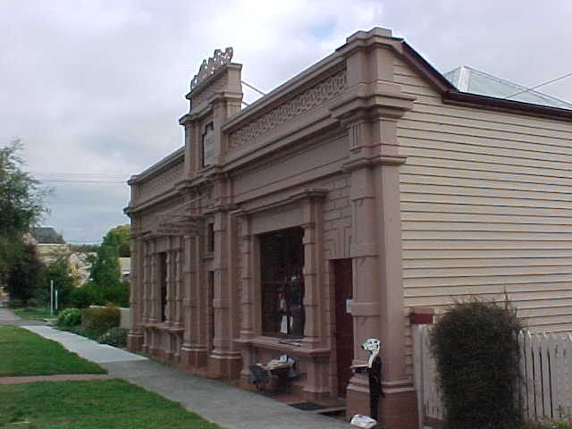 former library buninyong oblique front view 2002