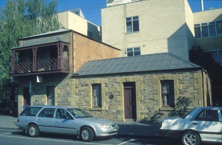 h01615 1 cottages hargraves street bendigo front view