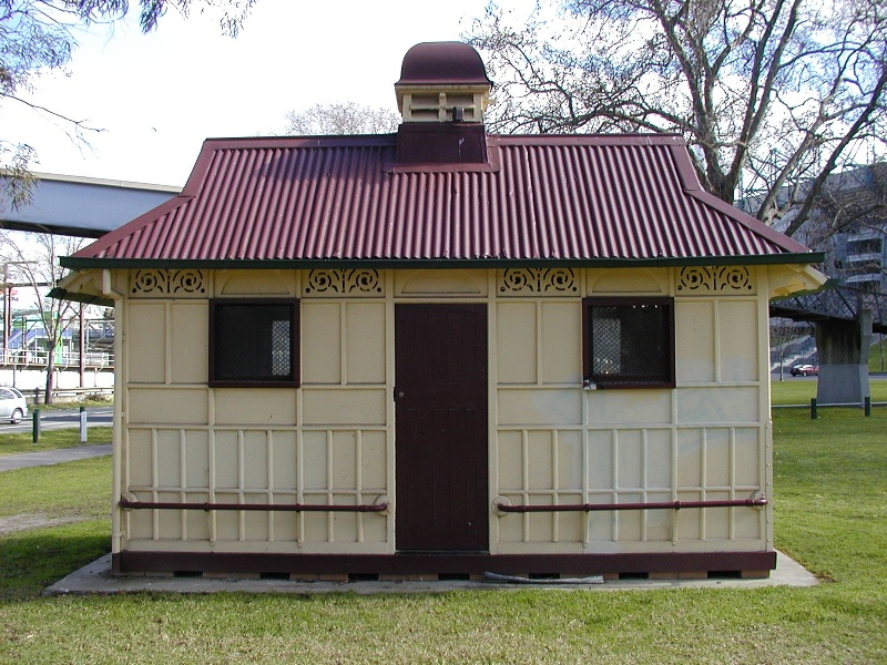 h00849 1 former grand rank cabman's shelter near footbridge yarra park jolimont front she project 2004