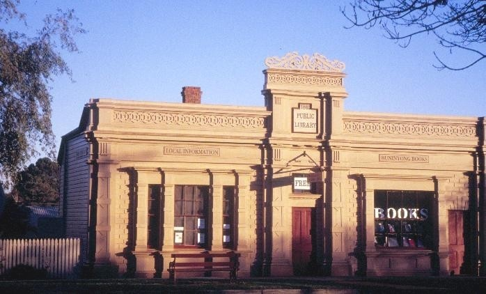 h00488 1 former library warrenheip road buninyong front view she project 2003